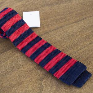 Cravatta in maglina a righe fondo rosso/blu mod. 307